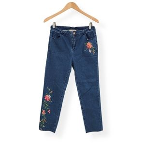 Flying Tomato Floral Embroidered Raw Hem Jeans